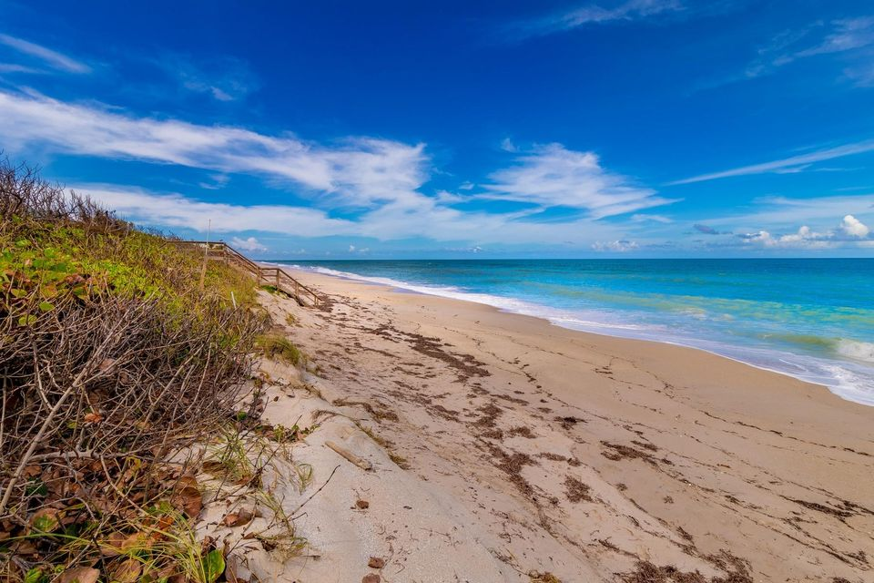 Additional photo for property listing at 6503 S Highway A1a 6503 S Highway A1a Melbourne, Florida 32951 États-Unis