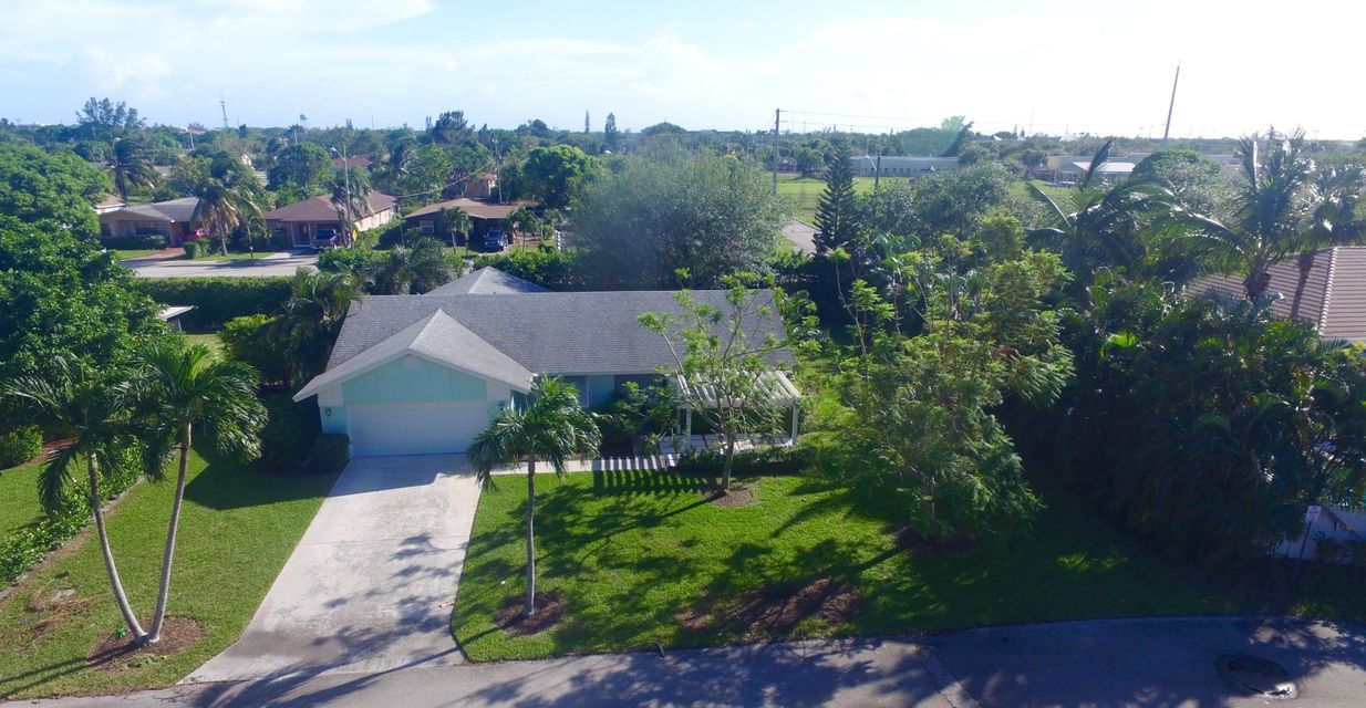 Additional photo for property listing at 720 Enfield Road 720 Enfield Road Delray Beach, Florida 33444 Vereinigte Staaten