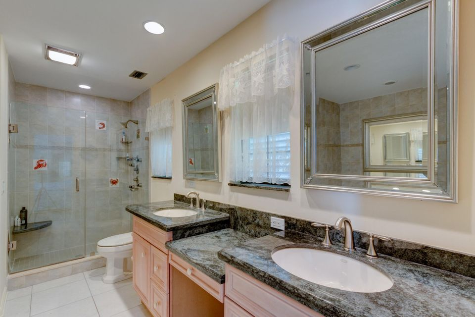 Additional photo for property listing at 356 Glenbrook Drive 356 Glenbrook Drive Atlantis, 佛罗里达州 33462 美国