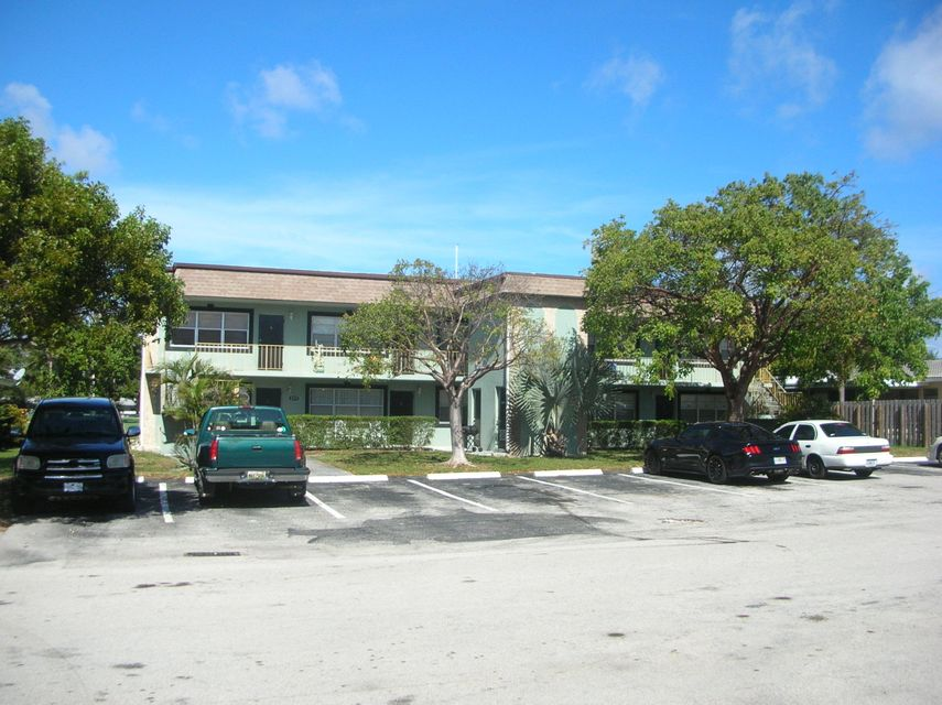 Quadraplex 为 销售 在 2255 5th Street 2255 5th Street 波姆庞帕诺滩, 佛罗里达州 33062 美国