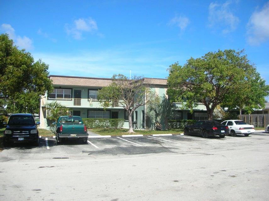 Quadraplex pour l Vente à 2255 5th Street 2255 5th Street Pompano Beach, Florida 33062 États-Unis