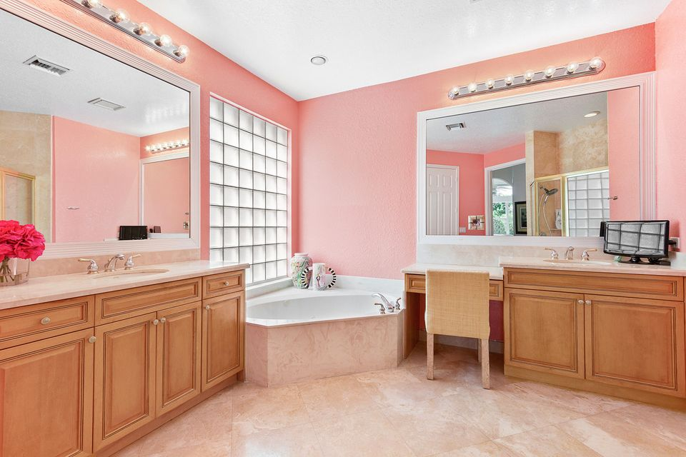 Additional photo for property listing at 16894 Knightsbridge Lane 16894 Knightsbridge Lane Delray Beach, Florida 33484 United States