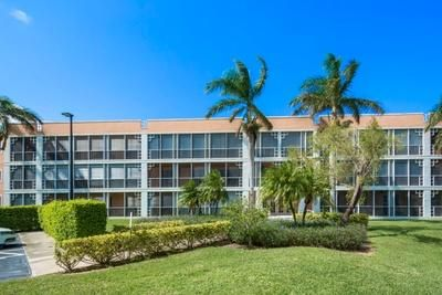Co-op / Condominio por un Venta en 85 Gulfstream Road 85 Gulfstream Road Dania Beach, Florida 33004 Estados Unidos