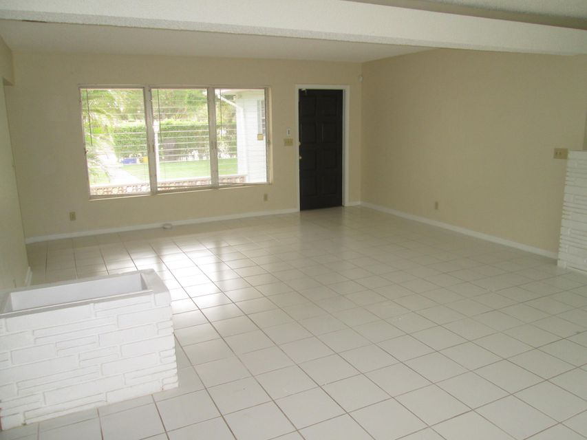 Additional photo for property listing at 261 Summa Street 261 Summa Street West Palm Beach, Florida 33405 United States