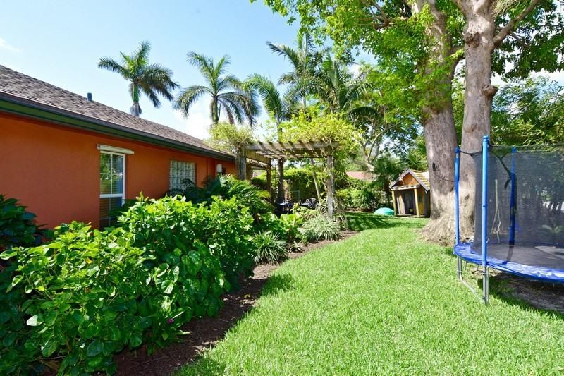 6520 Lake Clarke Drive West Palm Beach, FL 33406 photo 17