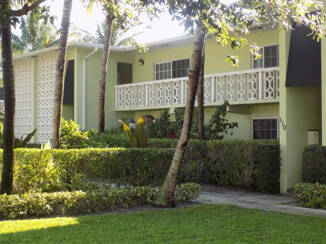Additional photo for property listing at 120 N Lakeside Drive 120 N Lakeside Drive Lake Worth, Florida 33460 United States