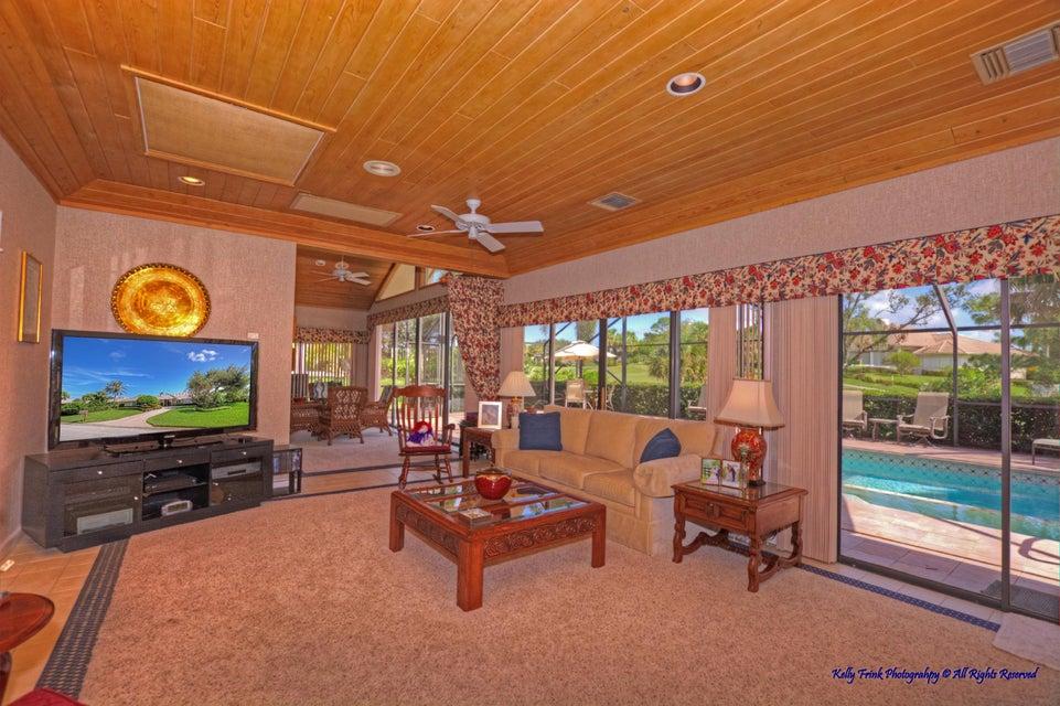 Additional photo for property listing at 6226 SE Oakmont Place 6226 SE Oakmont Place Stuart, Florida 34997 United States