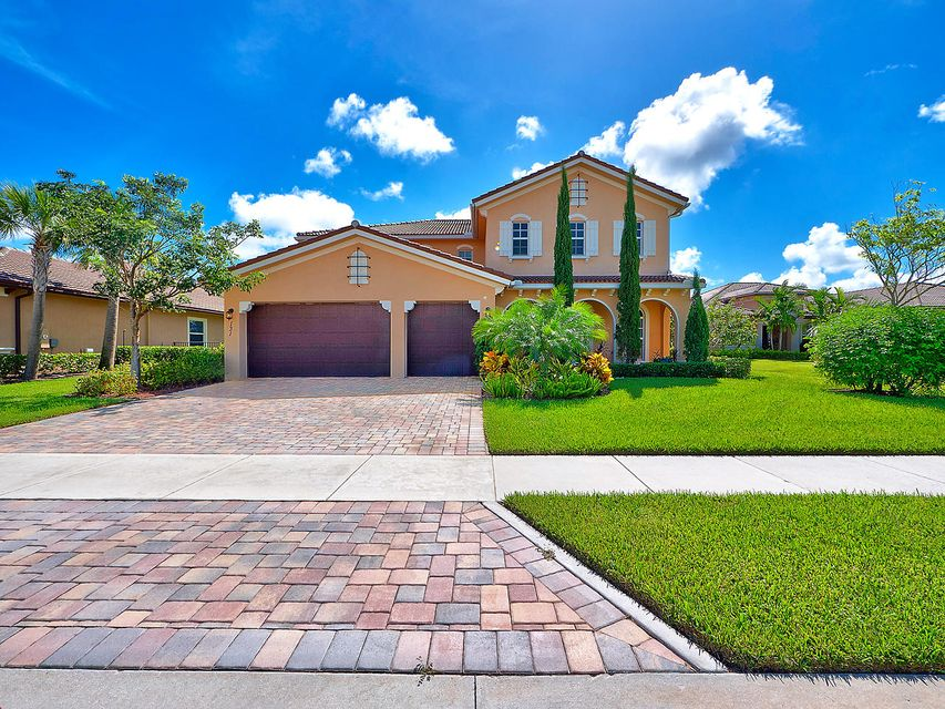 Single Family Home for Sale at 131 Steeple Circle 131 Steeple Circle Jupiter, Florida 33458 United States