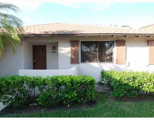 106 Club Drive , Palm Beach Gardens FL 33418 is listed for sale as MLS Listing RX-10373028 10 photos