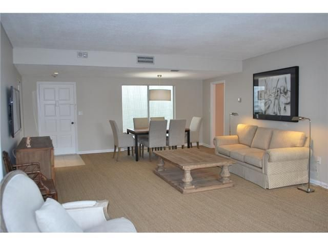 Additional photo for property listing at 2774 S Ocean Boulevard 2774 S Ocean Boulevard Palm Beach, Florida 33480 United States