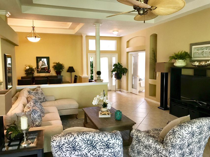 Additional photo for property listing at 1298 NW Mossy Oak Way 1298 NW Mossy Oak Way Jensen Beach, Florida 34957 Estados Unidos