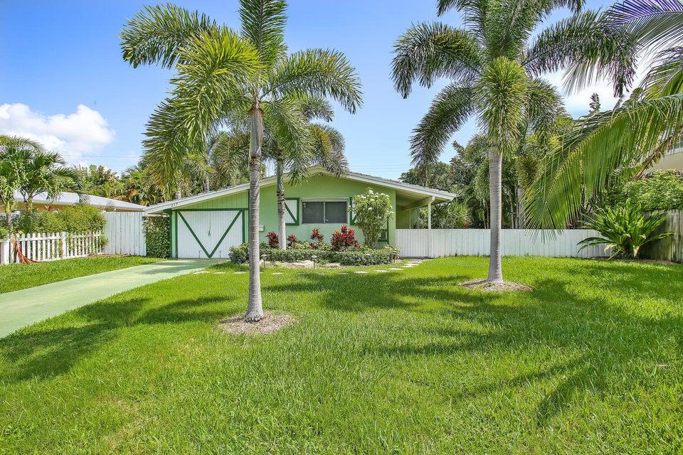 واحد منزل الأسرة للـ Sale في 217 Kings Lynn 217 Kings Lynn Delray Beach, Florida 33444 United States