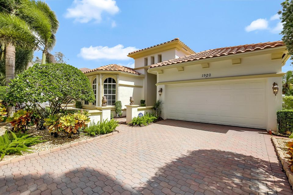 1920 Via Castello  Wellington, FL 33411 photo 1