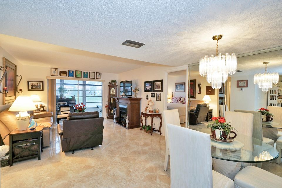 Additional photo for property listing at 145 Lake Carol Drive 145 Lake Carol Drive West Palm Beach, Florida 33411 United States
