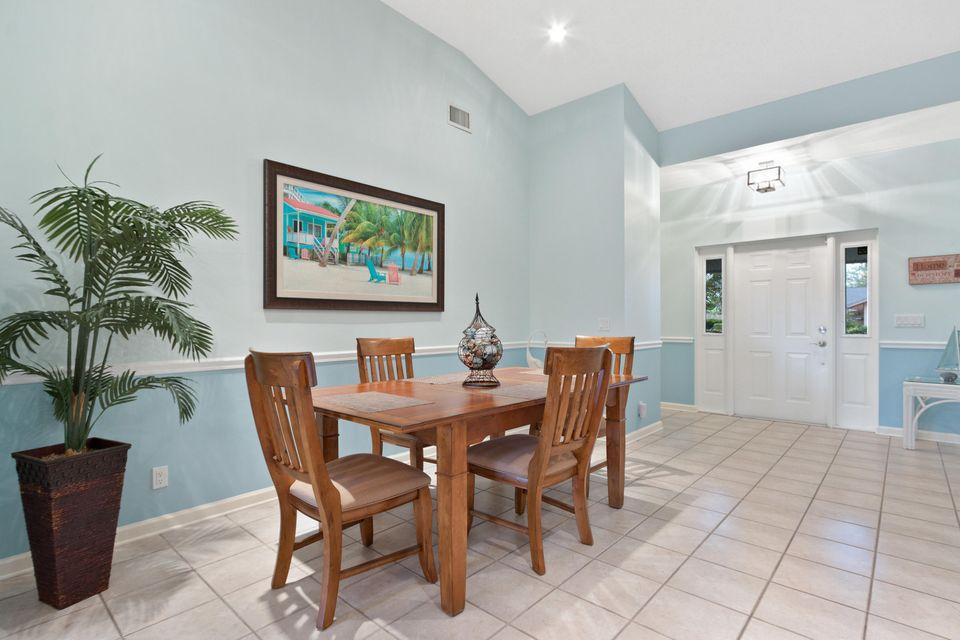 633 East Drive Delray Beach, FL 33445 - photo 4