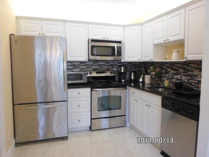 Cooperativa / condomínio para Venda às 506 Capri K 506 Capri K Delray Beach, Florida 33484 Estados Unidos