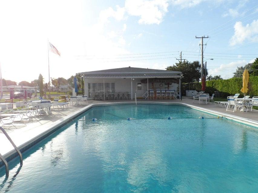 Additional photo for property listing at 120 South Boulevard 120 South Boulevard Boynton Beach, Florida 33435 Estados Unidos