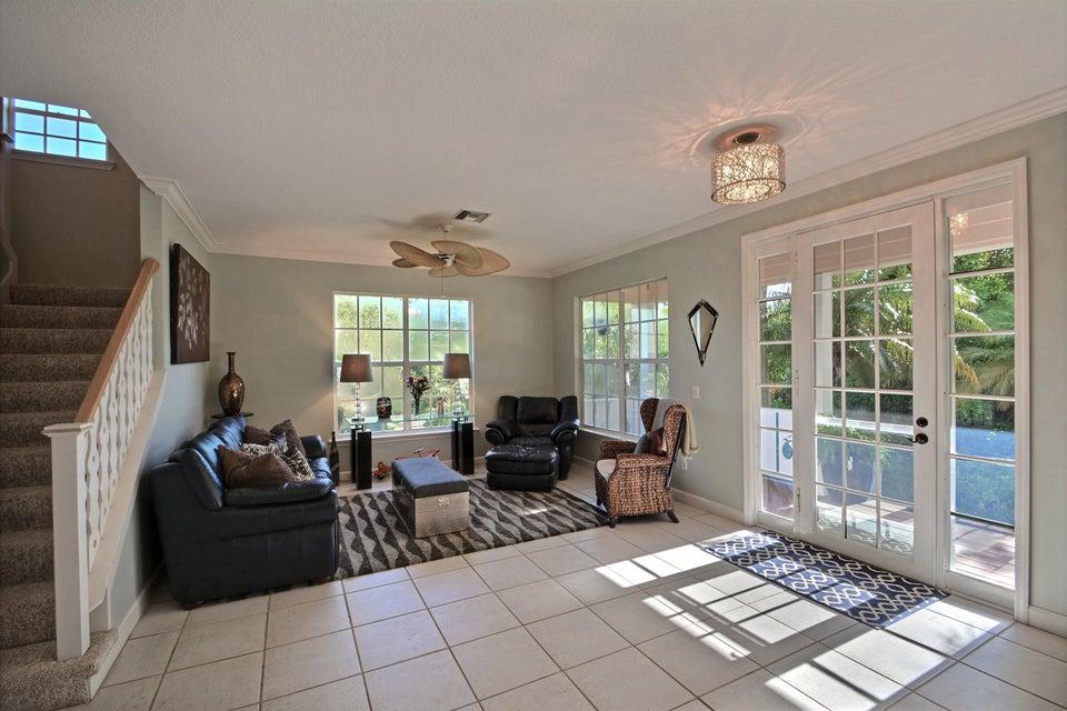 Additional photo for property listing at 2265 6th Court SE 2265 6th Court SE 维罗海滩, 佛罗里达州 32962 美国