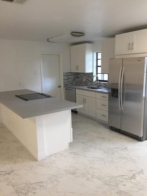 Apartamento por un Alquiler en 770 NE 38th Street 770 NE 38th Street Oakland Park, Florida 33334 Estados Unidos