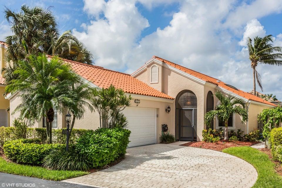 2650 La Lique Circle , Palm Beach Gardens FL 33410 is listed for sale as MLS Listing RX-10373143 16 photos