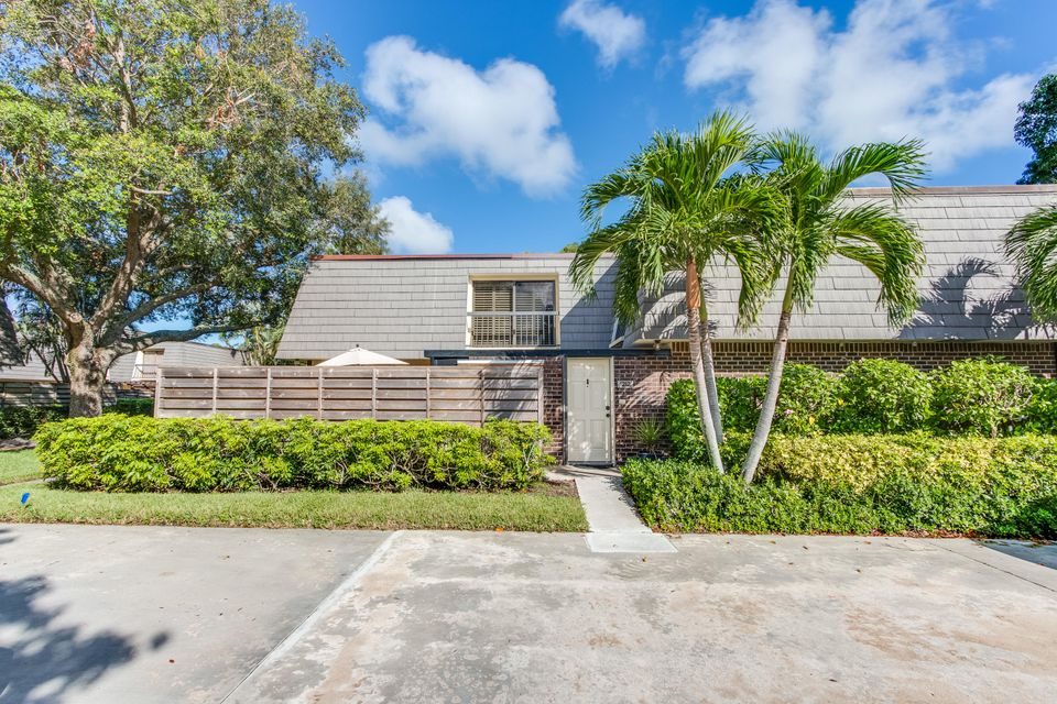 1212 12th Terrace , Palm Beach Gardens FL 33418 is listed for sale as MLS Listing RX-10373305 34 photos