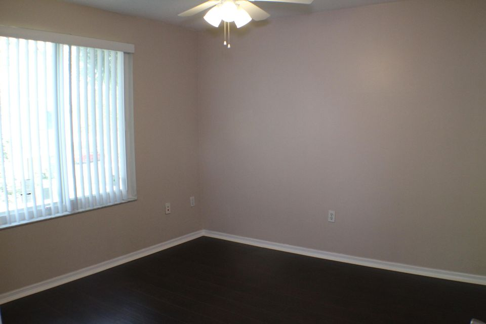 Additional photo for property listing at 1109 Villa Circle 1109 Villa Circle Boynton Beach, Florida 33435 Estados Unidos