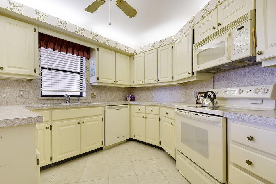 Additional photo for property listing at 19800 Sandpointe Bay Drive 19800 Sandpointe Bay Drive Tequesta, Florida 33469 United States
