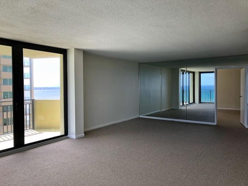 Additional photo for property listing at 5460 N Ocean Drive 5460 N Ocean Drive Singer Island, Florida 33404 United States