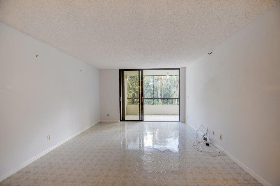 Additional photo for property listing at 2070 Homewood Boulevard 2070 Homewood Boulevard Delray Beach, Florida 33445 Estados Unidos