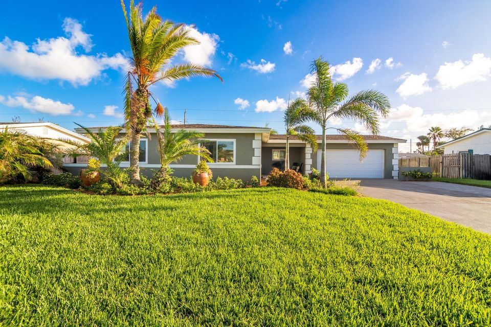 Single Family Home for Sale at 446 N Neptune Drive 446 N Neptune Drive Satellite Beach, Florida 32937 United States