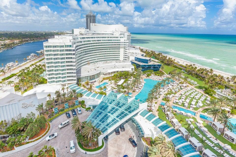 Condominio por un Venta en 4401 Collins Avenue # 1801 4401 Collins Avenue # 1801 Miami Beach, Florida 33140 Estados Unidos