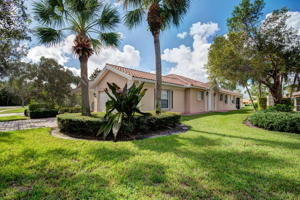 Villa for Sale at 5043 Magnolia Bay Circle 5043 Magnolia Bay Circle Palm Beach Gardens, Florida 33418 United States