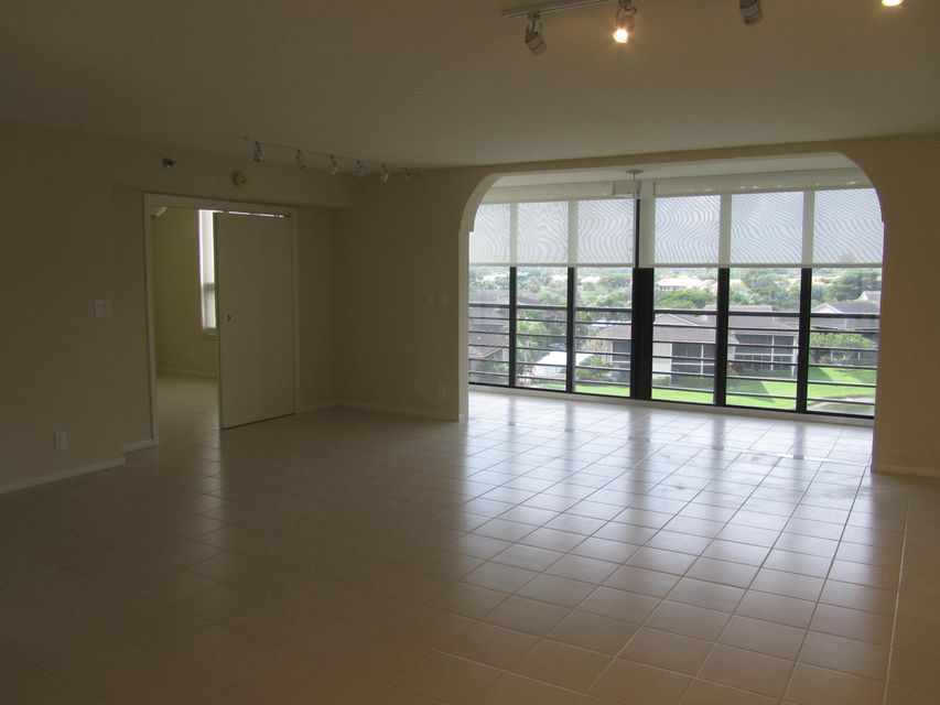 Additional photo for property listing at 7582 Regency Lake Drive 7582 Regency Lake Drive Boca Raton, Florida 33433 États-Unis