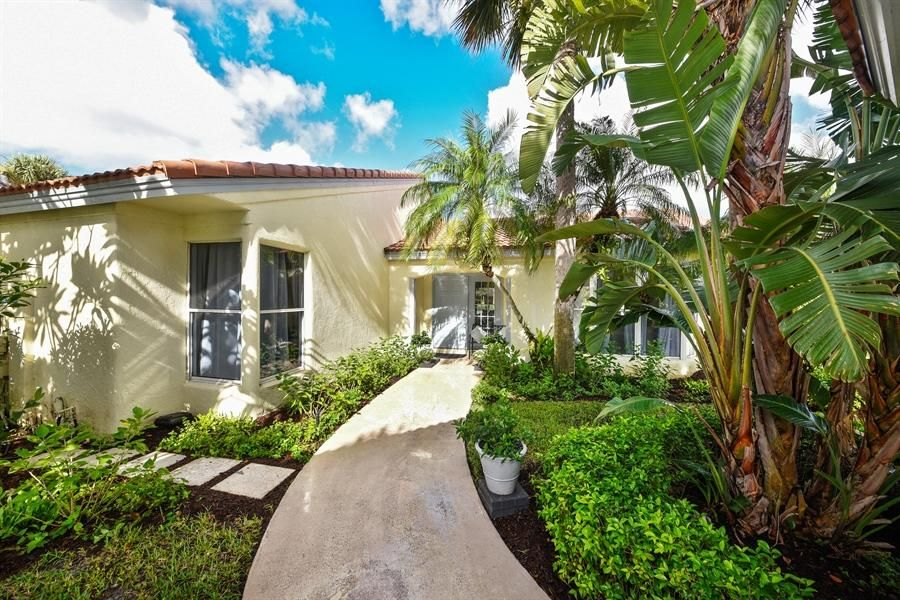 Villa for Sale at 2235 Las Brisas Court 2235 Las Brisas Court Wellington, Florida 33414 United States