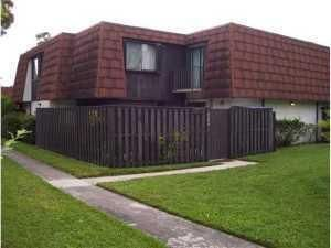 Townhouse for Rent at 2116 White Pine Circle 2116 White Pine Circle Greenacres, Florida 33415 United States