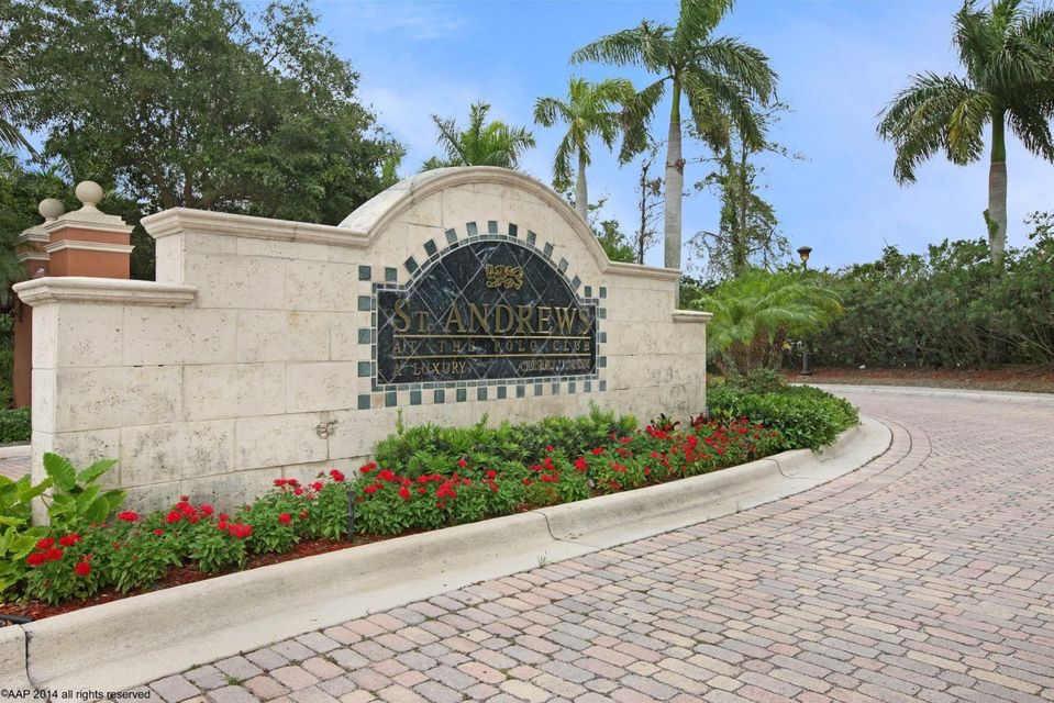 Co-op / Condo للـ Sale في 11750 St Andrews Place 11750 St Andrews Place Wellington, Florida 33414 United States