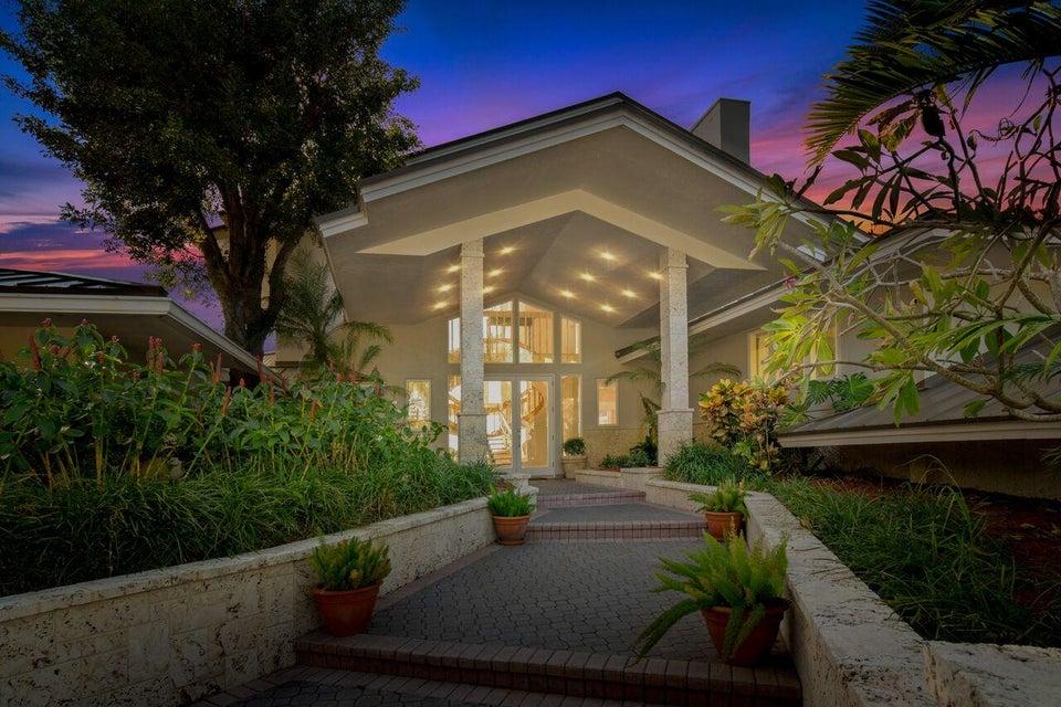 Casa para uma família para Venda às 137 S River Road 137 S River Road Sewalls Point, Florida 34996 Estados Unidos