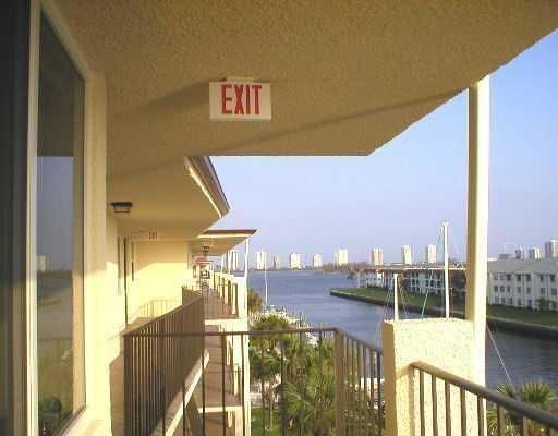 合作社 / 公寓 为 出租 在 108 Paradise Harbour Boulevard 108 Paradise Harbour Boulevard 北棕榈滩, 佛罗里达州 33408 美国