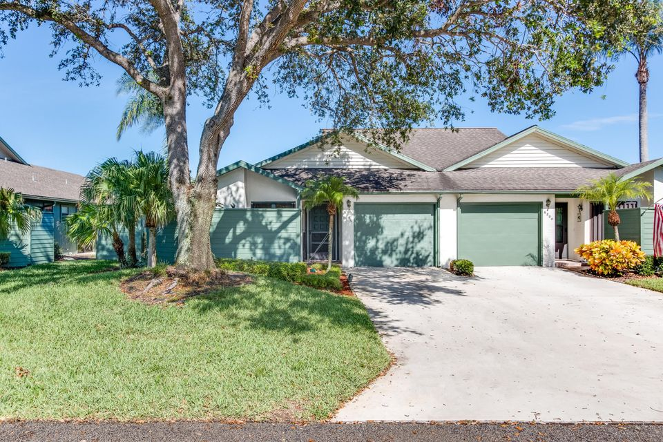 Villa for Sale at 6806 SE Bunker Hill Drive 6806 SE Bunker Hill Drive Hobe Sound, Florida 33455 United States