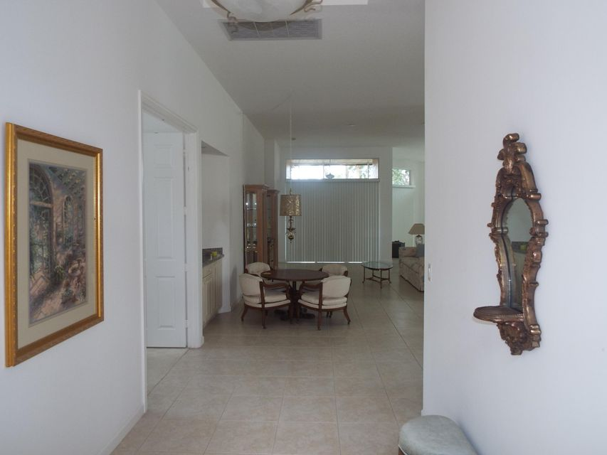 Additional photo for property listing at 8745 Via Grande 8745 Via Grande Wellington, Florida 33411 United States