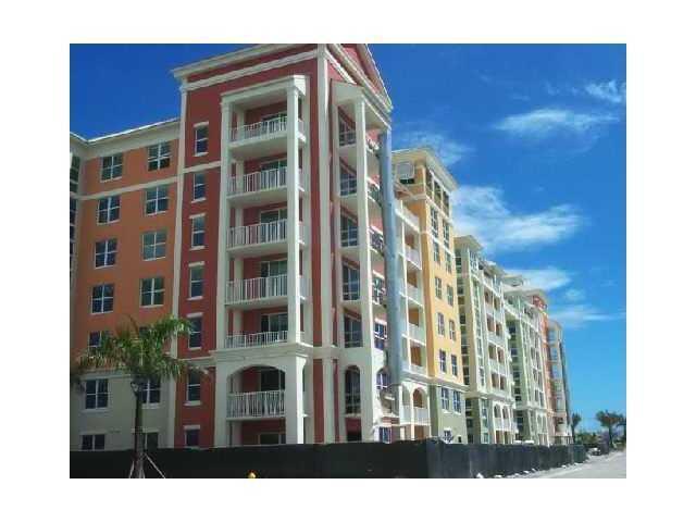 Co-op / Condo for Sale at 806 E Windward Way 806 E Windward Way Lantana, Florida 33462 United States