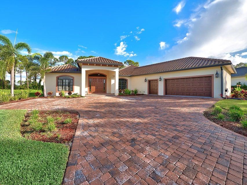 Частный односемейный дом для того Продажа на 10351 SW Stones Throw Terrace 10351 SW Stones Throw Terrace Palm City, Флорида 34990 Соединенные Штаты