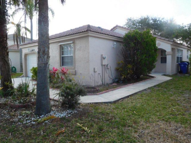 Rentals for Rent at 15673 NW 14 Street 15673 NW 14 Street Pembroke Pines, Florida 33028 United States
