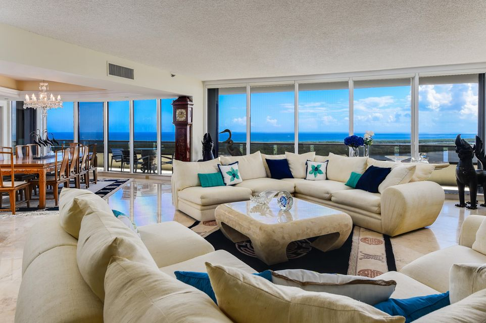 Co-op / Condominio por un Venta en 100 Lakeshore Drive 100 Lakeshore Drive North Palm Beach, Florida 33408 Estados Unidos