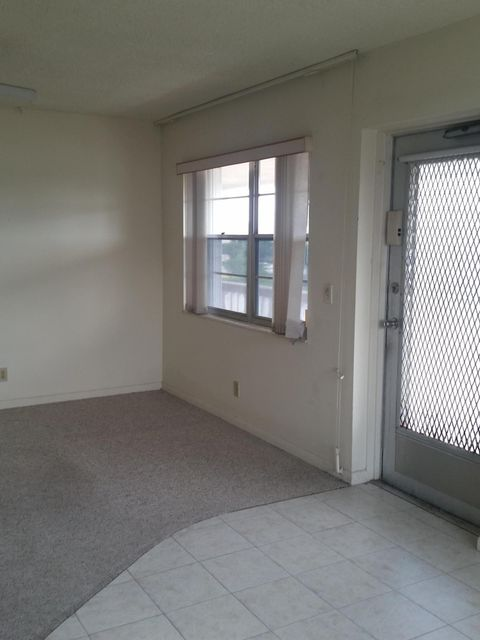 Co-op / Condo for Sale at 25 Hastings B 25 Hastings B West Palm Beach, Florida 33417 United States