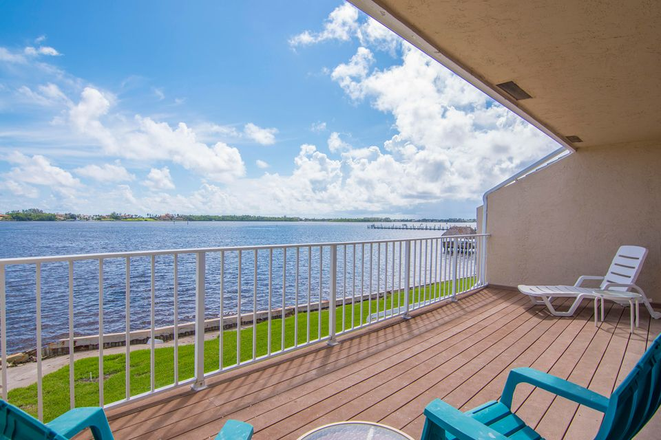Maison accolée pour l à louer à 60 N Lakeshore Drive 60 N Lakeshore Drive Hypoluxo, Florida 33462 États-Unis