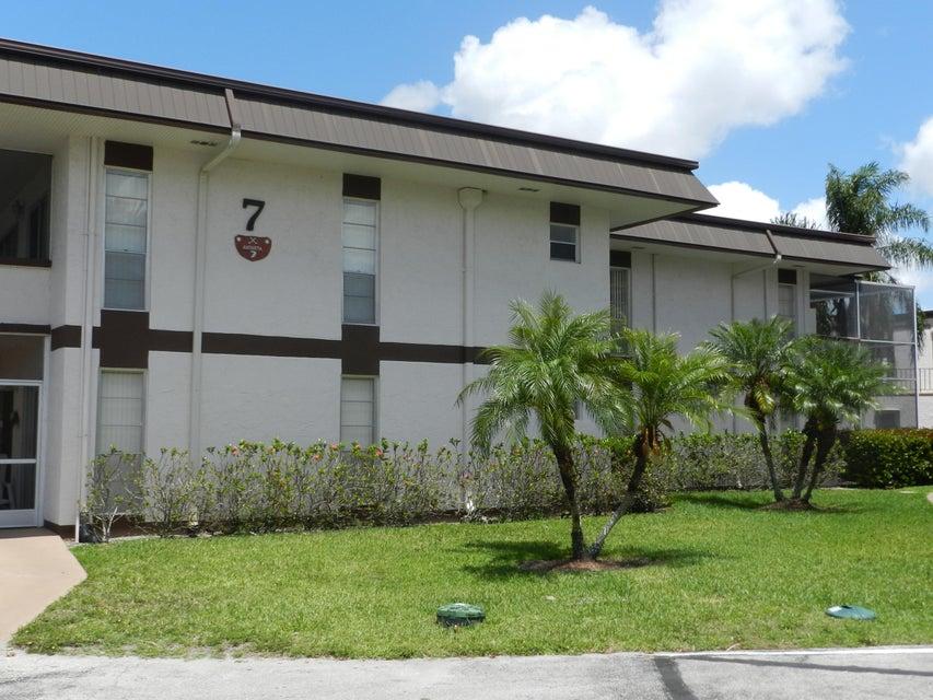 7 Greenway Village 210  Royal Palm Beach FL 33411