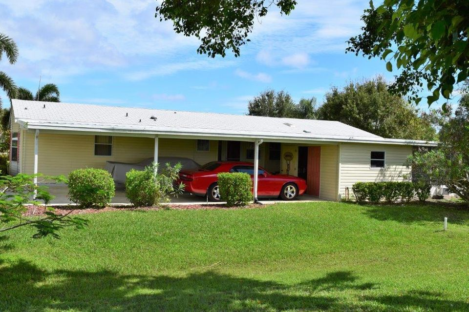 Additional photo for property listing at 8133 9th Hole Drive 8133 9th Hole Drive Port St. Lucie, Florida 34952 Vereinigte Staaten