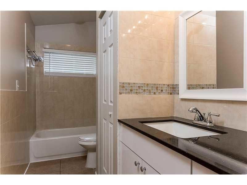 Additional photo for property listing at 108 Sherwood Drive 108 Sherwood Drive Royal Palm Beach, Florida 33411 Vereinigte Staaten