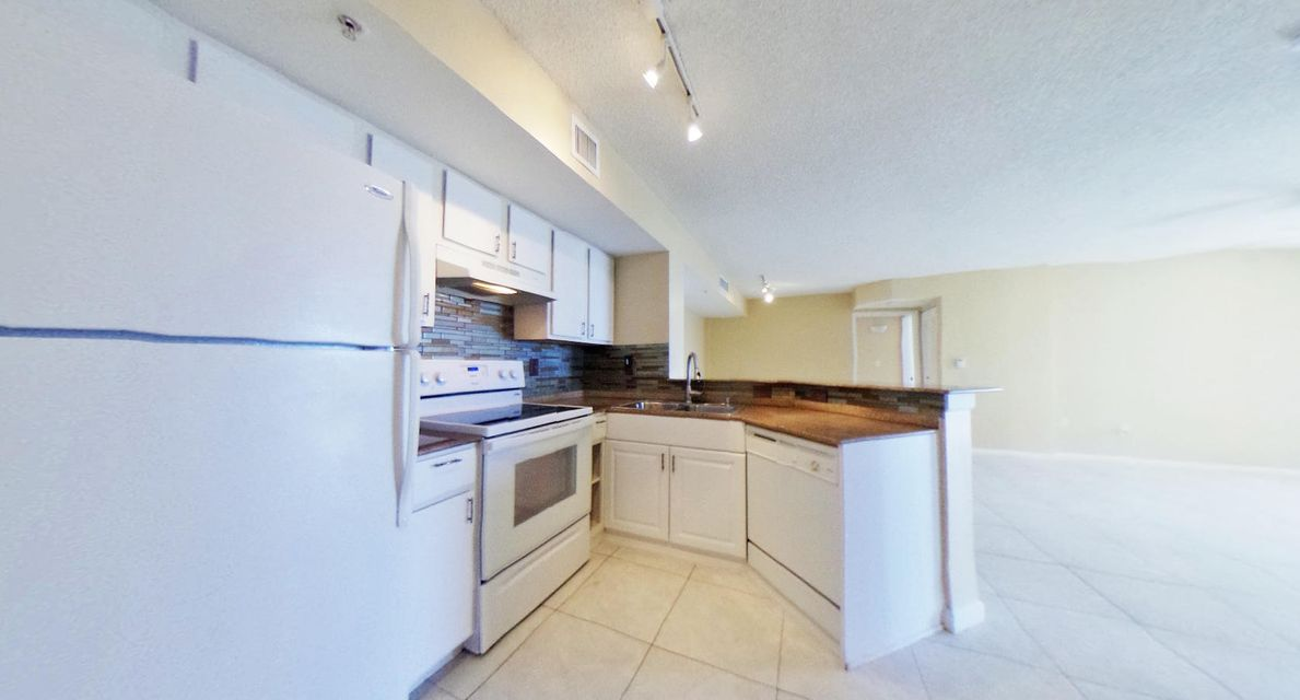 Additional photo for property listing at 1000 Scotia Drive 1000 Scotia Drive Hypoluxo, Florida 33462 United States